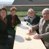 Chormitglieder nach der Messe: Kathrin und Martha Schauer, Maria Bauer und Sepp Rackinger (von links)