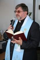 Nach der Präsentation segnete Pfarrer Johannes Schörgmayer das neue Heurigenlokal