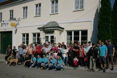 Die Wandergruppe startete beim Gasthaus Kahri zum höchsten Punkt der Gemeinde Perschling