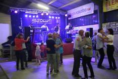 """Die Tanzband """"Absolut!"""" sorgte für Stimmung in der Maschinenhalle der Familie Figl-Fischelmaier"""