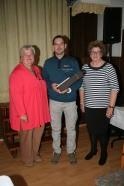 Seniorenbundobfrau Waltraud Niederhametner (rechts) bedankte sich beim Gemeindearzt Dr. Med. Jürgen Haas und bei der pielachtaler Mundartdichterin Loisi Secnicka.