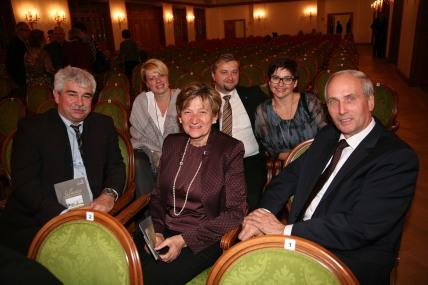 Die Bürgermeister von Kapelln (Alois Vogl), Perschling (Reinhard Breitner) und Würmla (Anton Priesching) (von links) besuchten mit ihren Gattinen das Konzert und waren beeindruckt.