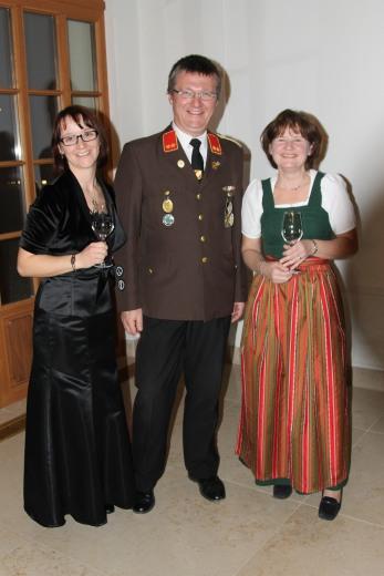 Kathrin Berger (links) feierte ihren 32. Geburstag, mit dabei waren auch Christian Poschmaier und Mutter Maria Diesmayr