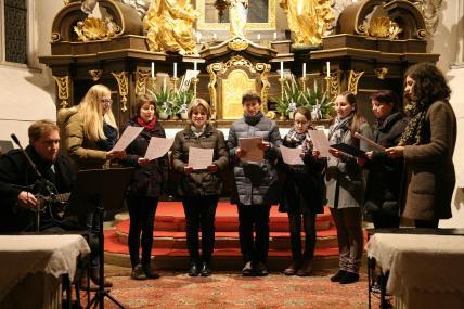 Ein gemeinsamer Frauenchor bildete, begleitet von Christof Dauda, den stimmungsvollen Abschluss