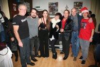 Franz Mader, Gastsänger Remo, Kate Cutic, Joni Madden, Andy Cutic, Wolfgang Tockner und Walter Kahri (von links) nach dem Konzert