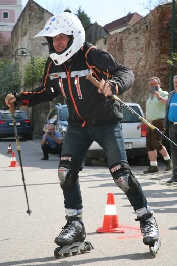 Walter Kahri meisterte den von Franz Mader gesteckten Slalom bravorös