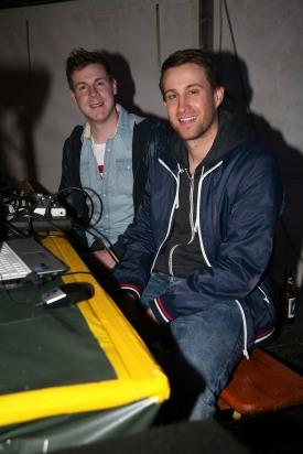 """Michael Schubert und Florian Sattler (von links) bespielten als """"DJ Schuko&Satti Florente"""" den 2nd Floor"""