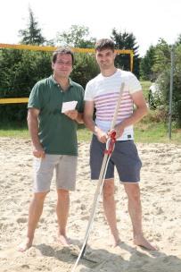 Vizebgm. Franz Erber (links) und Hannes Pickl betreuten den Weitsprüung
