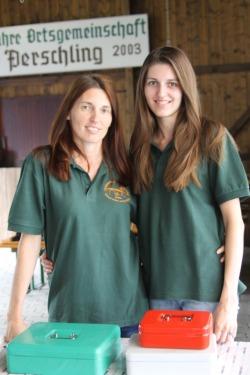 Sylvia Diendorfer und Tochter Jacqueline (von links) halfen als Kassierin und Kellnerin.