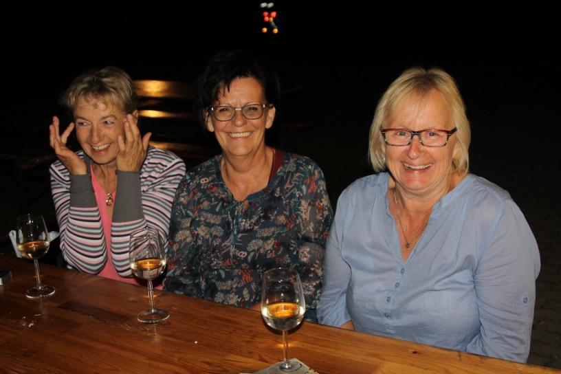 Elfi Gattinger, Marlene (Hildegard) Dürauer und Heidi Herzog (von links) amüsierten sich prächtig