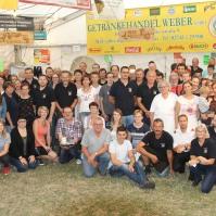 Kdt. Christoph Eigner (vorne, vierter von rechts) bedankte sich bei allen Helferinnen und Helfern für die erfolgreiche Durchführung des Festes