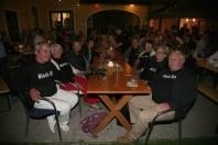 Die Stammgäste aus Würmla (links Familie Wöber, rechts Familie Tratlehner kamen auch zum Sommerfest mit den Black OX T-Shirts