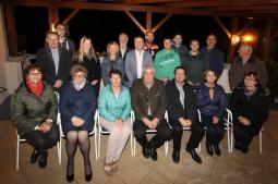 Gruppenfoto der anwesenden Vereinsobleute mit Christine Wegscheider, Bgm. Reinhard Breitner und Vizebgm. Franz Erber (Bildmitte, vorne).