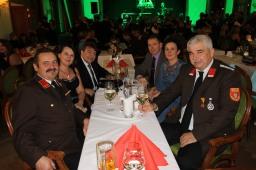 Kdt. Johann Dorner, Brigitte und Ingomar Illetschko, Martin und Martina Franz, und Bgm. Reinhard Breitner (von links) kamen aus der Gemeinde Perschling