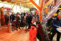 Guter Besuch und reges Interesse am Adventmarkt