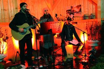 """""""Just Dance"""", bestehend aus Franz, Liesi und Markus (von links), umrahmte den Eröffnungsabend musikalisch"""