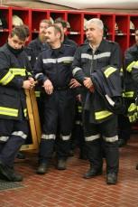 Bgm. Reinhard Breitner (rechts) nahm aktiv an der Übung teil, links von ihm Kdt. Johann Dorner