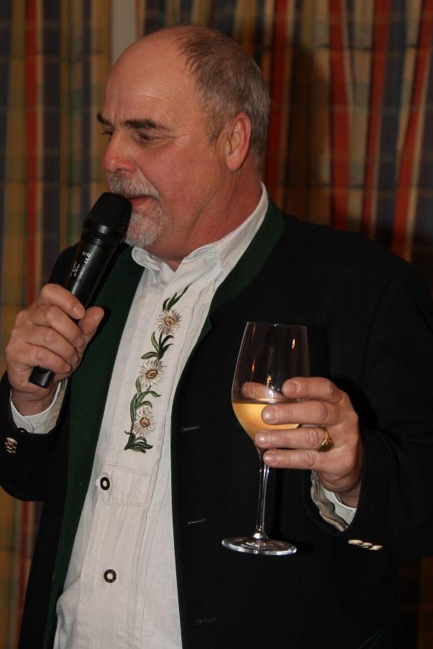 Obmann Heribert Scheikl lud zum gemeinsamen Umtrunk