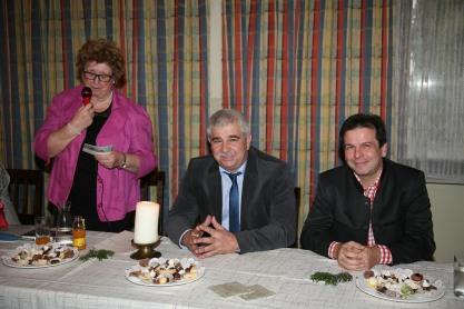 Von links: Obfrau Waltraud Niederhametner, Bgm. Reinhard Breitner und Vizebgm. Franz Erber