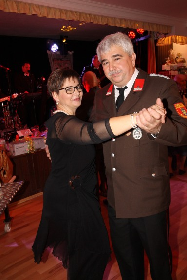 Bgm. Reinhard Breitner mit Gattin Erika beim Eröffnungswalzer