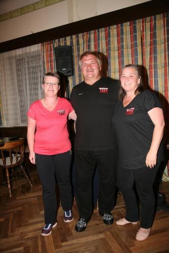 Obmann Karl Urani mit den diplomierten Tanztrainerinnen Waltraud Haas und Heide Urani
