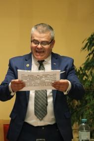 Als Altersvorsitzender verlas GR Franz Peter Nussbaumer die Gelöbnisformel
